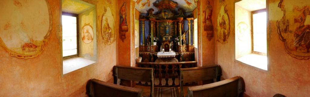 Kapelle auf dem Trojerhof, Altar