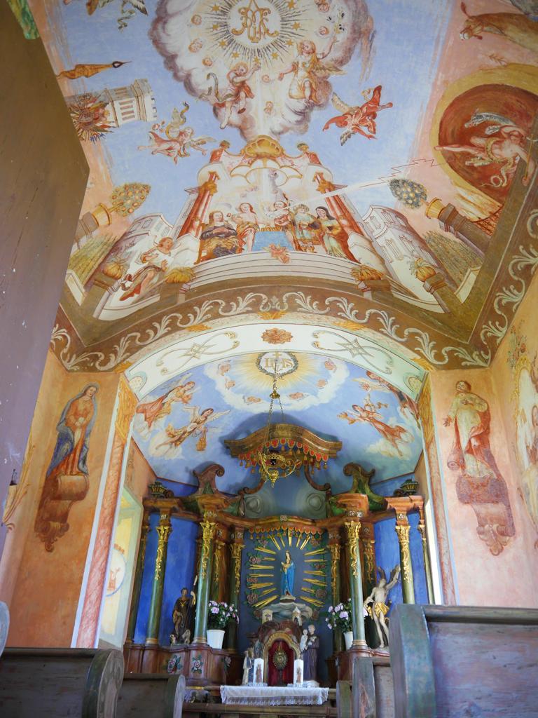Deckenbemalung der Kapelle auf dem Trojerhof